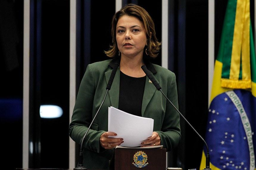 Plenário do Senado Federal durante sessão não deliberativa.   Em discurso, à tribuna, senadora Leila Barros (PSB-DF).    Foto: Beto Barata/Agência Senado