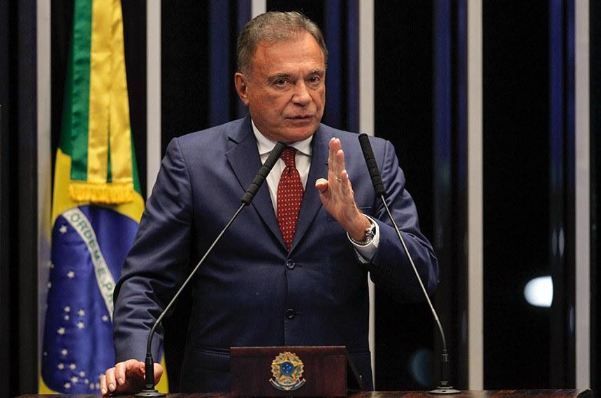 Plenário do Senado Federal durante sessão deliberativa ordinária.   Em discurso, à tribuna, senador Alvaro Dias (Podemos-PR).  Foto: Beto Barata/Agência Senado