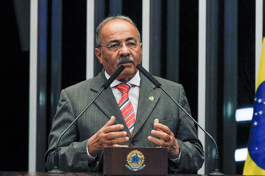 Plenário do Senado Federal durante sessão deliberativa ordinária.   Em discurso, à tribuna, senador Chico Rodrigues (DEM-RR).  Foto: Beto Barata/Agência Senado