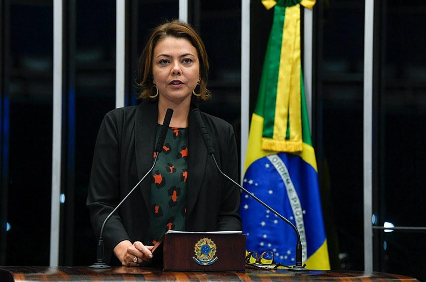 Plenário do Senado Federal durante sessão não deliberativa.   Em discurso, à tribuna, senadora Leila Barros (PSB-DF).  Foto: Jefferson Rudy/Agência Senado