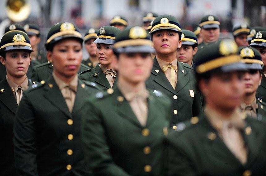 Desfile do Sete de Setembro no Rio de Janeiro: número de mulheres militares deve aumentar se aprovado projeto