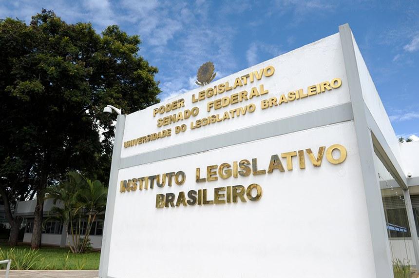 Fachada do Instituto Legislativo Brasileiro (ILB) do Senado Federal.