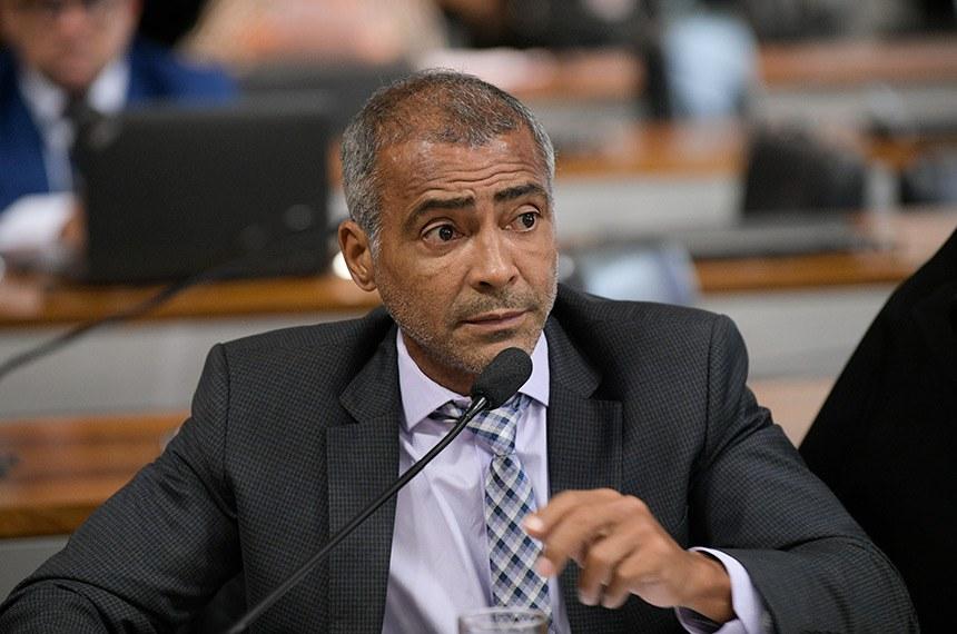 Relator, Romário deu voto favorável ao projeto