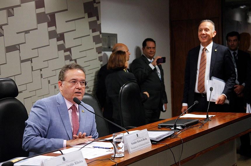 Comissão Mista Temporária da Reforma Tributária (CM-ReformaTributária) realiza reunião de instalação e deliberativa.   Presidente da (CM-ReformaTributária), senador Roberto Rocha (PSDB-MA) em pronunciamento.  Foto: Beto Barata/Agência Senado
