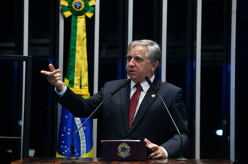 Plenário do Senado Federal durante sessão não deliberativa.   Em discurso, à tribuna, senador Izalci Lucas (PSDB-DF).  Foto: Marcos Oliveira/Agência Senado