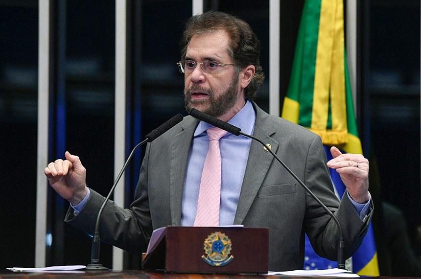 Plenário do Senado Federal durante sessão não deliberativa.   À tribuna, em discurso, senador Plínio Valério (PSDB-AM).  Foto: Roque de Sá/Agência Senado