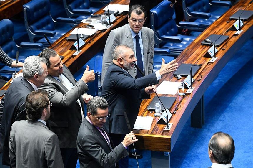 Plenário do Senado Federal durante sessão deliberativa ordinária. Ordem do dia.  Em pronunciamento, à bancada, senador Telmário Mota (Pros-RR).  Foto: Marcos Oliveira/Agência Senado
