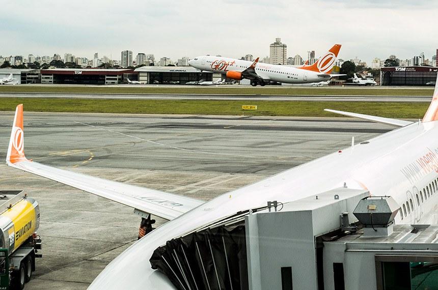 Aviões da empresa aerea Gol, no Aeroporto de Congonhas em São Paulo.