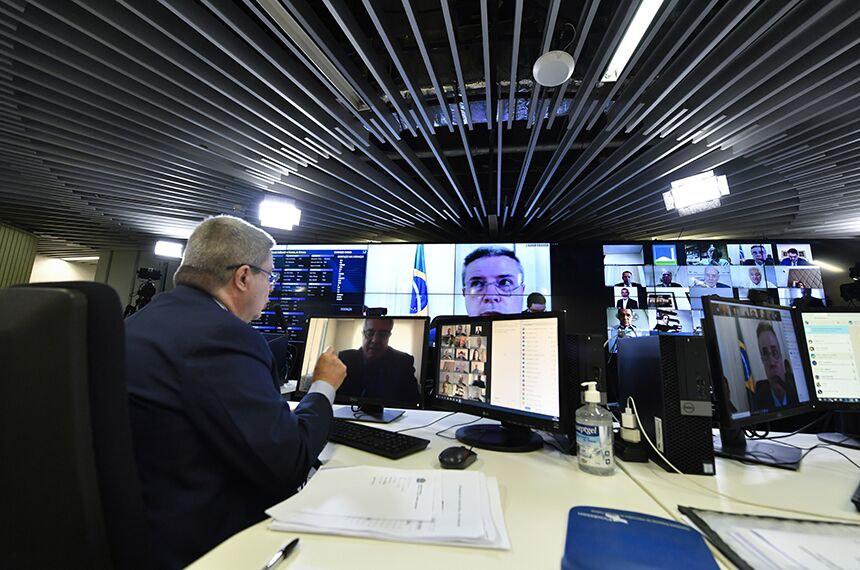 Vice-presidente do Senado, Antonio Anastasia comandou a sessão virtual
