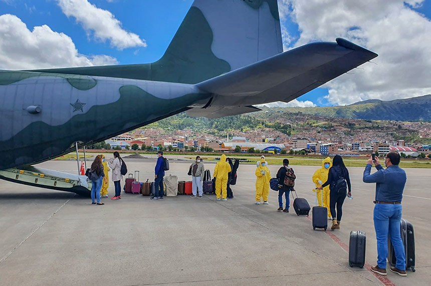 FAB transporta cidadãos brasileiros que estavam em Cuzco, no Peru