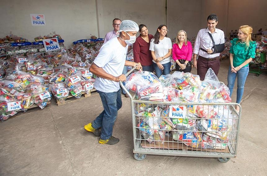 Pais e responsáveis dos alunos matriculados na rede pública de educação básica vão receber gêneros alimentícios adquiridos pelas escolas