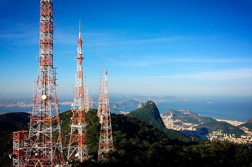 Número de antenas dentro do Parque Nacional da Tijuca será reduzido. Antenas no Sumaré.