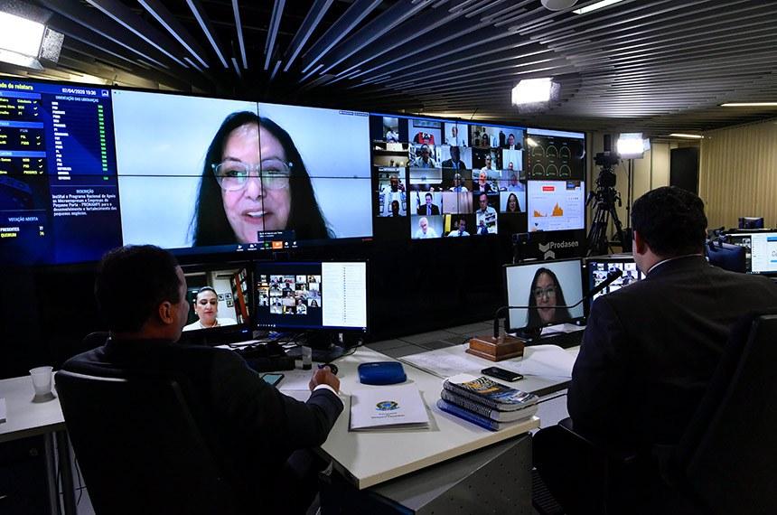 Proposta de Rose de Freitas permite registro da ocorrência de violência doméstica e familiar pela internet ou por telefone