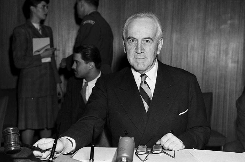 Em 1947, o diplomata brasileiro Oswaldo Aranha presidiu a 1ª sessão especial da Assembleia Geral e a 2º sessão regular. Desde então (com raras exceções), o Brasil tem sido o 1º país a falar no debate geral anual da Assembleia Gera das Nações Unidas.