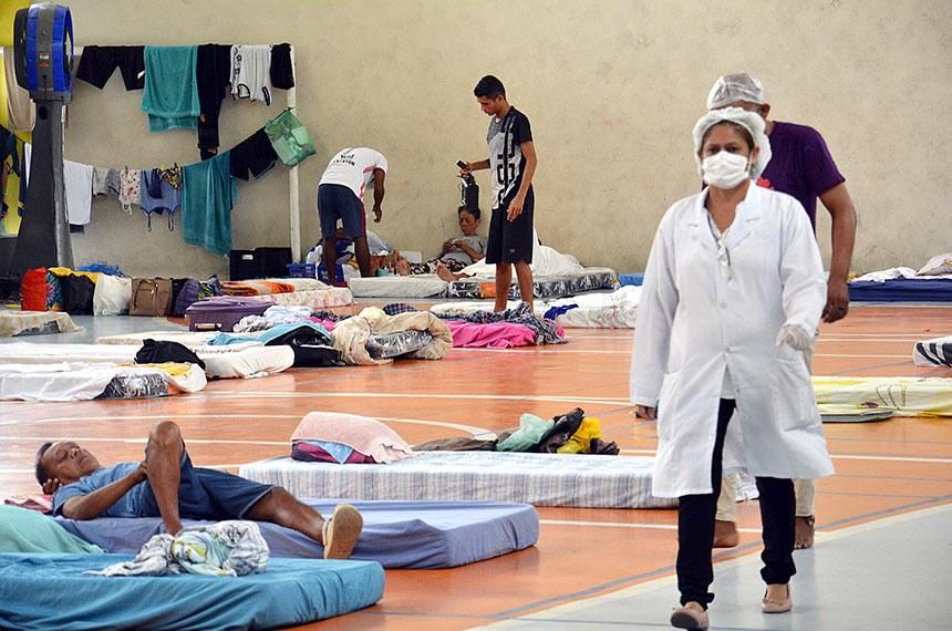 Abrigo provisório para pessoas em situação de rua em Manaus