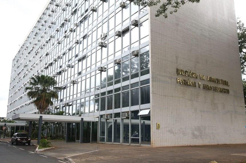 Brasília - Foto da Faixada do Ministerio da Agricultura (Valter Campanato/Agência Brasil)