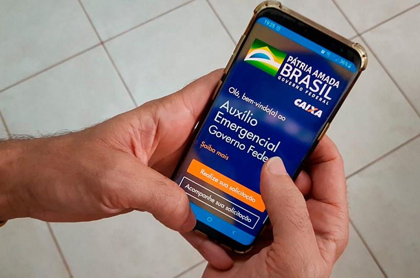 Consulta ao aplicativo da Caixa Eonomica Federal para pedido do Auxilio Emergencial do Governo Federal durante 3 meses da pandemia de Corona Virus