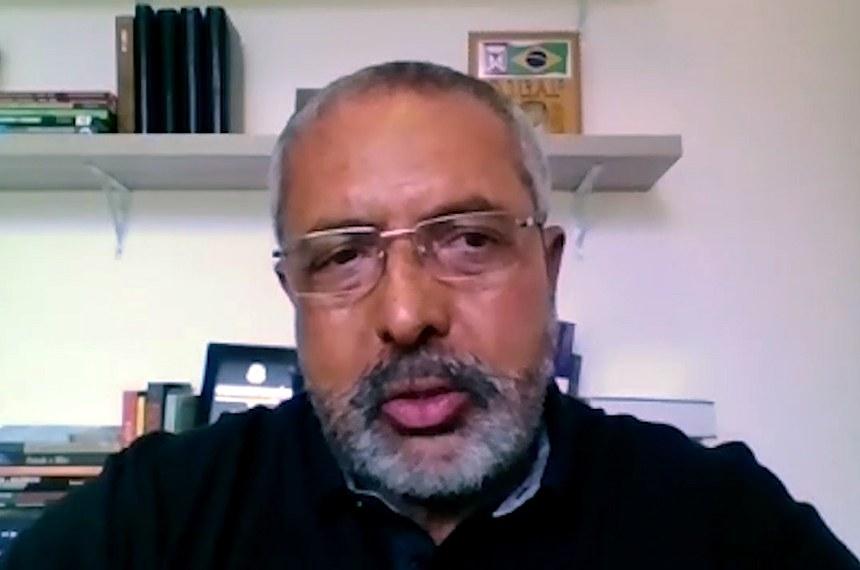 O senador Paulo Paim (PT-RS) é o autor da proposta