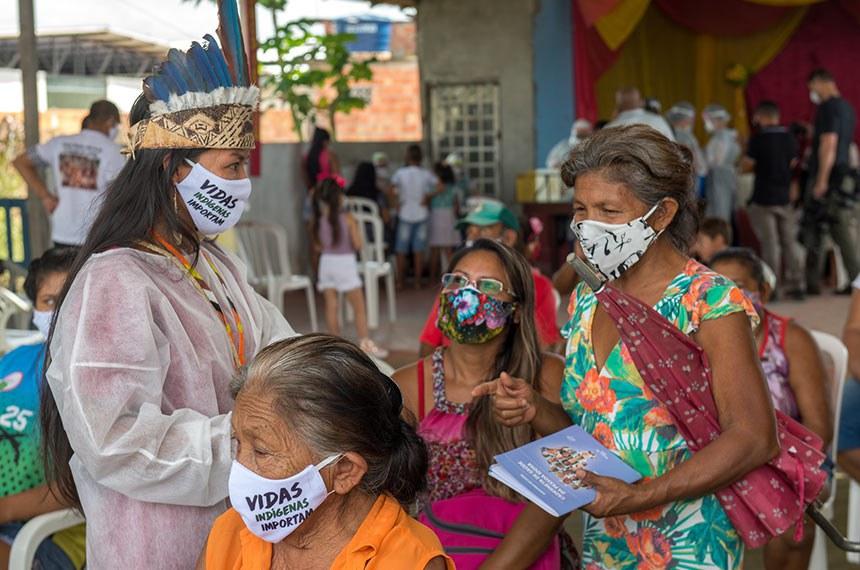 Prefeitura leva serviços de saúde e assistência ao Parque das Tribos  Prefeitura leva serviços de saúde e assistência ao Parque das Tribos Manaus 21.05.20 Prefeitura leva serviços de saúde e assistência ao Parque das Tribos.Foto: Alex Pazuello/Semcom