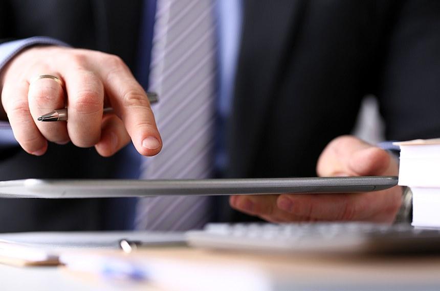 assinatura digital; tablet, executivo; empresário