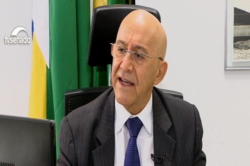 O senador Confúcio Moura é o presidente da comissão que acompanha medidas de enfrentamento ao coronavírus