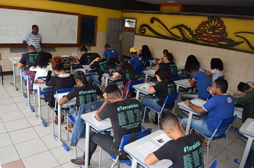 Estudantes das redes pública e privada de Brasília participaram, nesta quinta-feira, do segundo e último dia de simulado do Exame Nacional do Ensino Médio (Enem).