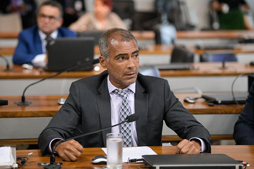 Romário foi relator no Senado do projeto da Lei Brasileira da Inclusão