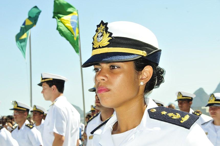 A Marinha do Brasil foi a primeira entre as Forças Armadas do país a admitir mulheres em seu efetivo