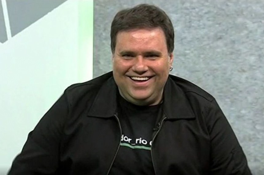 Rodrigo Rodrigues - Rodrigo de Oliveira Rodrigues foi um jornalista, músico e escritor brasileiro.