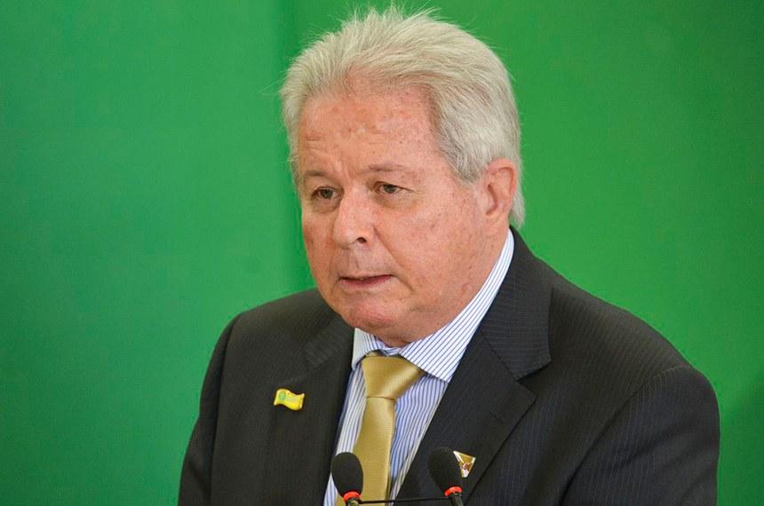 O presidente do Banco do Brasil, Rubem Novaes, durante cerimônia de posse aos presidentes dos bancos públicos.