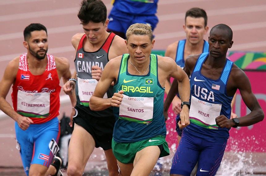 Altobeli Santos (Brasil), medalha de ouro nos 3000m com obstáculos. Atletismo - Jogos Pan-Americanos Lima 2019. Local: Estádio de la Videna, em Lima (Peru). Data: 10.08.2019.   Foto: Abelardo Mendes Jr/Rededoesporte.gov.br