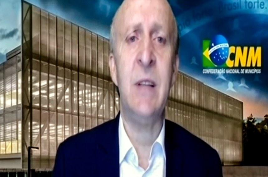 Em audiência da comissão que debate a reforma tributária, Glademir Aroldi, presidente da Confederação Nacional dos Municípios, defendeu aumento da participação das prefeituras nos impostos sobre consumo