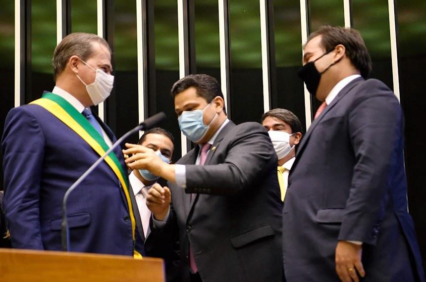 O ministro do Supremo Tribunal Federal, Dias Tofolli, é homenaageado pelo Congresso Nacional.