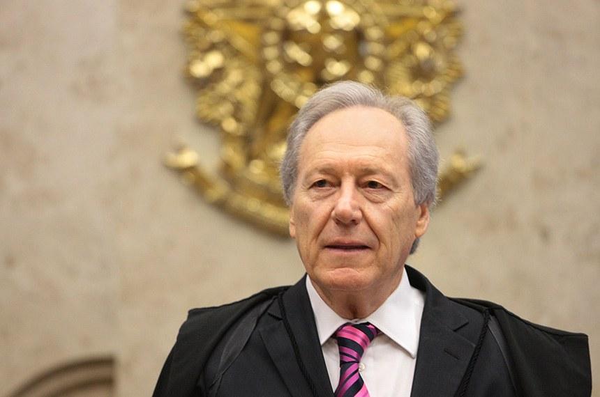 Ministro Ricardo Lewandowski preside sessão do STF.