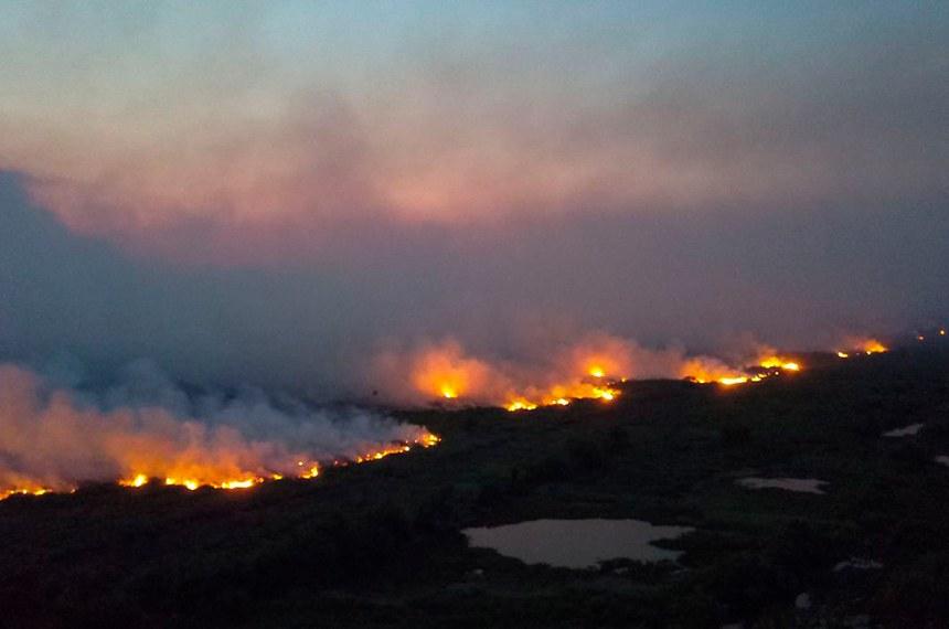 Incendios florestais entre Miranda e Corumbá BR 262 e MS 184