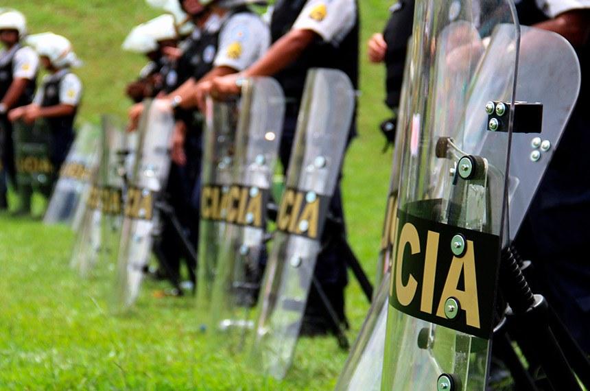 Medida provisória que concede aumento salarial retroativo para os policiais civis e militares e bombeiros militares do Distrito Federal expira nesta terça-feira (22)