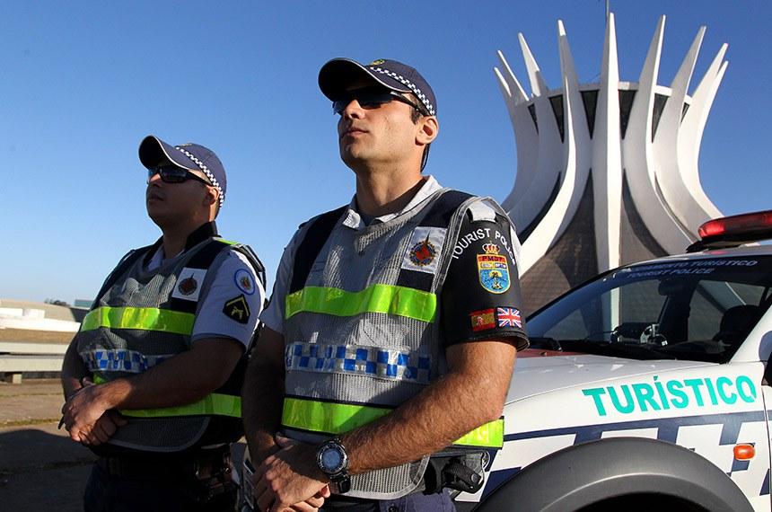 Com fluência em francês, inglês e espanhol, profissionais do Batalhão de Policiamento Turístico vão reforçar a segurança de quem vem de fora do Brasil.