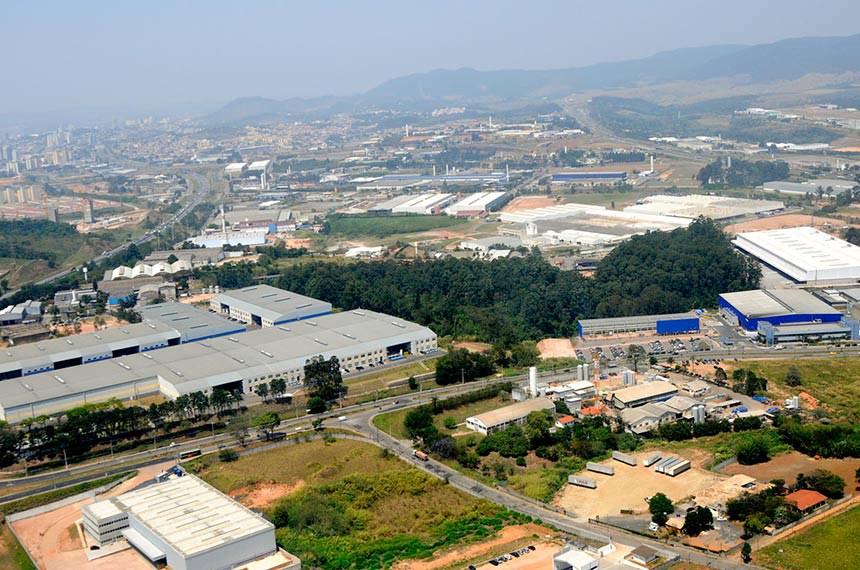 Com um parque industrial que concentra hoje pouco mais de 1,3 mil empresas, Jundiaí ocupa o oitavo lugar entre os 645 municípios paulistas que mais consomem eletricidade. Distrito Industrial abriga algumas das marcas mais valiosas do mundo.