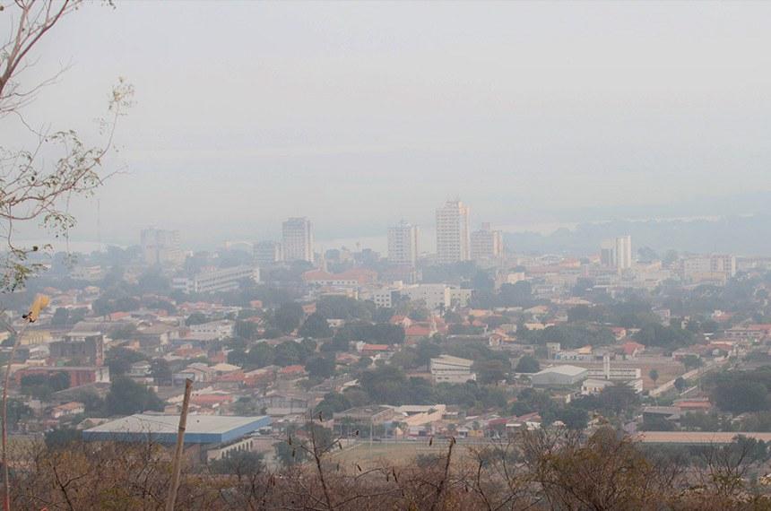 03.08.2020 Fumaça dos incêndios sobre Corumbá, cobrindo a planície pantaneira, afeta saúde da população