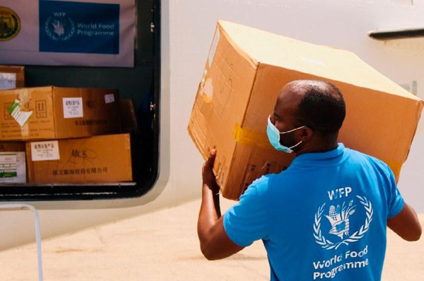 Funcionário do Programa Mundial de Alimentação das Nações Unidas, para o combate à fome, que alimentou 97 milhões de pessoas este ano e levou o Prêmio Nobel