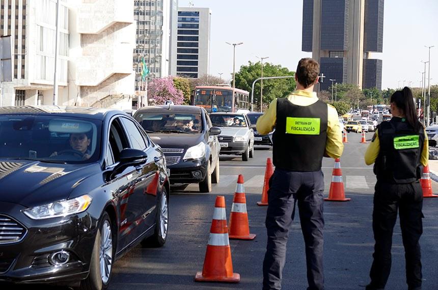Fiscalização do Detran-DF.   Foto: Roque de Sá/Agência Senado