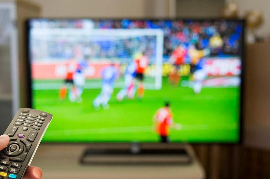 Volta a valer a Lei Pelé, em que emissoras de TV ou rádio precisam negociar com os dois times para exibir a partida. A MP previa que esse acordo só ocorreria com a indefinição do detentor do mando de jogo