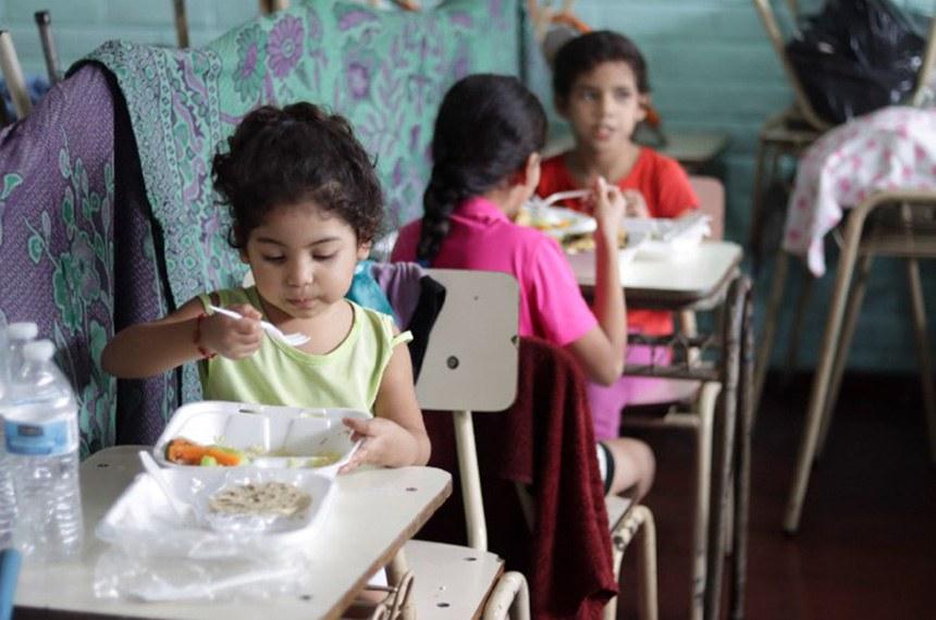 Celebrado em 16 de outubro, a data tem por objetivo mobilizar o poder público e conscientizar a sociedade brasileira da importância do combate à fome e à desnutrição