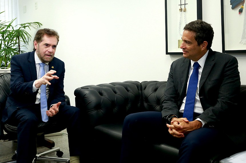 29-10-20 O Senador Plínio Valério recebeu o presidente do Banco Central Roberto Campos Neto nesta manhã em seu gabinete
