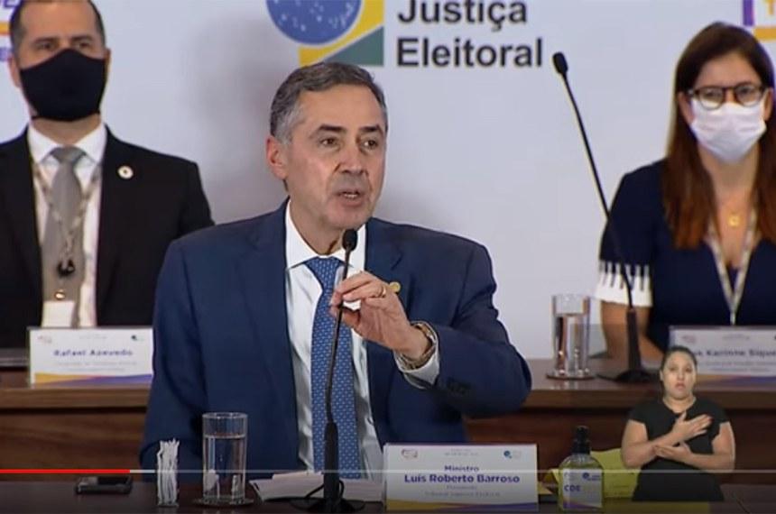 Em entrevista coletiva nesta segunda (16), o presidente do TSE, ministro Luís Roberto Barroso, ressaltou que o sistema não sofreu tentativas de fraude e que o tribunal divulgou os resultados ainda no domingo