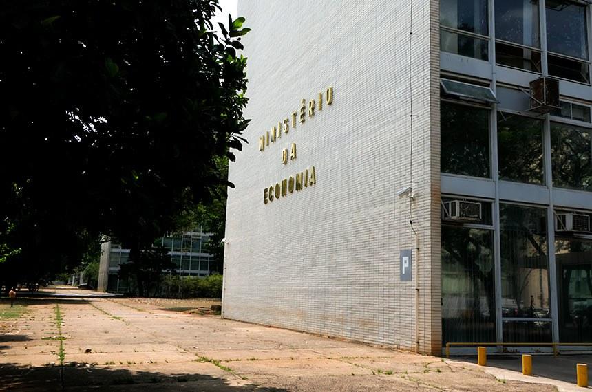 Fachada do bloco P, na Esplanada dos Ministérios, o qual faz parte o Ministério da Economia.  Foto: Roque de Sá/Agência Senado