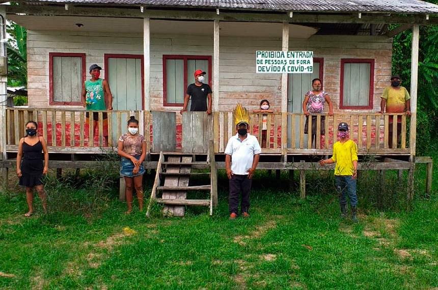 Manaus 21 05 2020-Vinte e sete casos foram registrados na região que tem 185 aldeias de 21 etnias.  moradores da Aldeia Boará de Cima, do povo Kokama, fazem o combate ao vírus - Amazonas (Foto: Aldeia Boará)