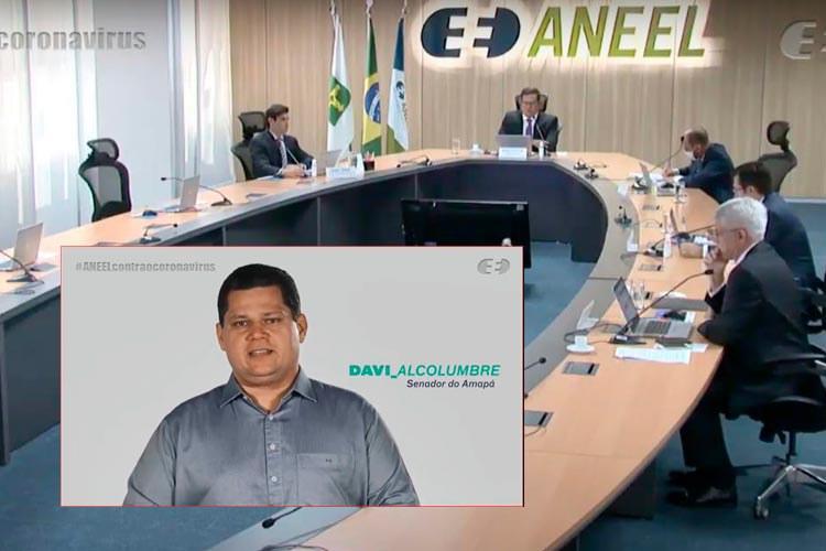 O presidente do Senado, Davi Alcolumbre, fala por videoconferência com diretoria da Aneel