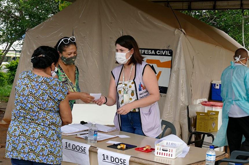 Nayara Jéssica Silva é enfermeira e atua na linha de frente da unidade básica de saúde do Riacho Fundo no combate à covid-19.  Foto: Roque de Sá/Agência Senado