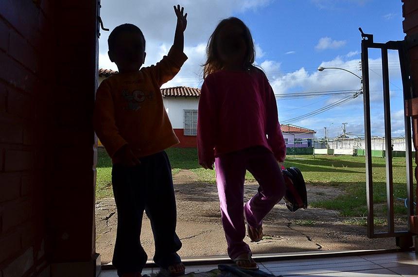 Brasília (DF) - Crianças acolhidas pelo abrigo Nosso Lar, instituição onde vivem desde recém-nascidos até adolescentes